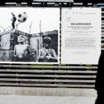Mostra fotografica sul gioco dei bambini lungo il Muro nel 1963